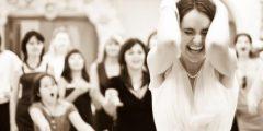 1398317505 0124 240x120 - أصول بعض تقاليد الزفاف