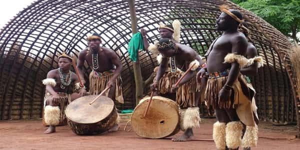 1 143 - تقاليد الشعوب الإفريقية