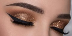 عادات مضرة بصحة عيونك خلال وضع الميكياج